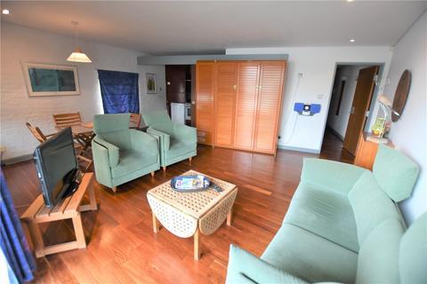 1 bedroom flat to rent - Odessa Wharf, 7 Odessa Street, London, SE16