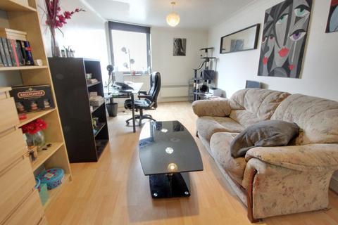2 bedroom apartment to rent - Blue Apartments Francis Road