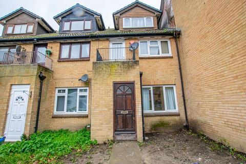 1 bedroom ground floor maisonette for sale - Haldane Road, North Thamesmead