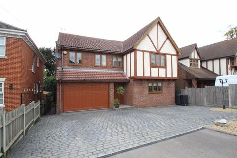 5 bedroom detached house for sale - Creek View Avenue, Hockley - 5 BEDROOM DETACHED EXECUTIVE HOME