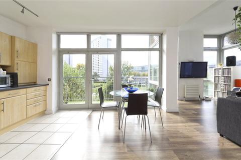 2 bedroom apartment for sale - Hunt Close, St Ann's Villas, London, W11