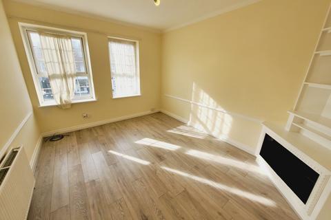 3 bedroom flat to rent - Watford Way, London NW4