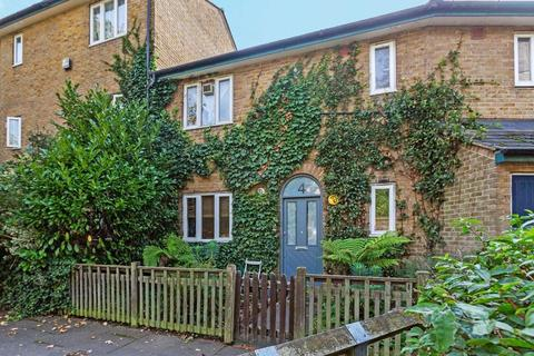 2 bedroom flat for sale - Whidborne Close, London SE8
