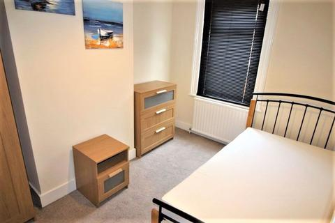4 bedroom house share to rent - Fully furnished double room to rent, with all bills included, Summers Street, Rodbourne