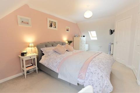 4 bedroom terraced house for sale - Kilcoby Avenue, Agecroft Hall, Swinton, Manchester