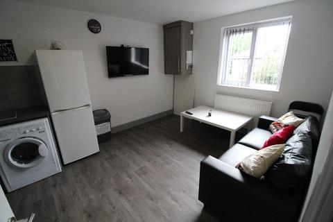 3 bedroom apartment to rent - Marsh Lane Flat,, PRESTON, Lancashire PR1 8NL