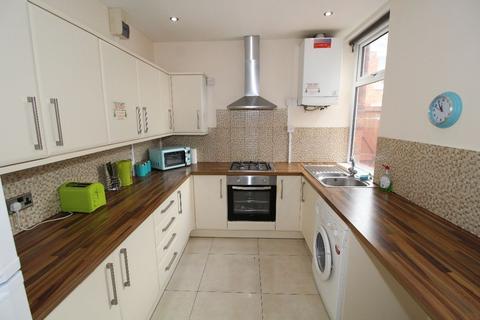 4 bedroom terraced house to rent - Norris Street, Fulwood , PRESTON, Lancashire PR2 3DU