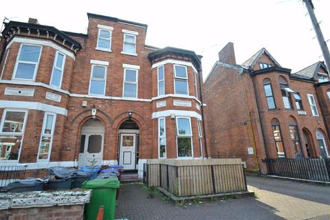 2 bedroom flat to rent - Central Road, Manchester, Manchester