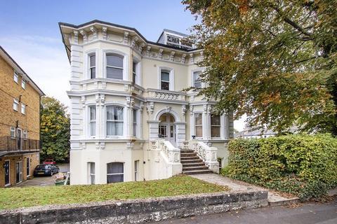 1 bedroom flat for sale - One Bedroom Entrance Level Flat, Upper Grosvenor Road, Tunbridge Wells
