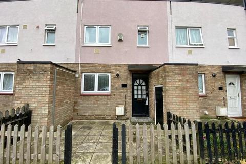 3 bedroom ground floor maisonette to rent - Sherborne Avenue, Enfield, Greater London, EN3