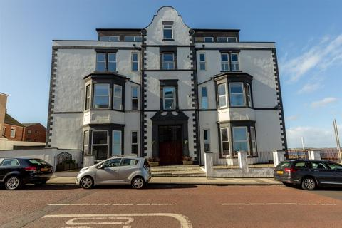 2 bedroom property to rent - Montague Apartments, Esplanade, Whitley Bay