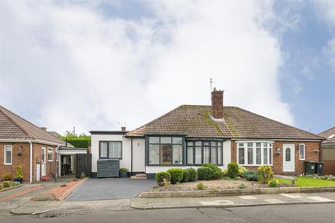 3 bedroom semi-detached bungalow for sale - Ashwood Grove, Woodlands Park, Newcastle upon Tyne