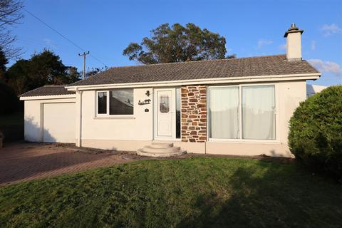 2 bedroom detached bungalow to rent - High View Crescent, Blackwater