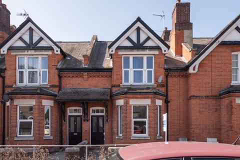 6 bedroom house to rent - St Martins Terrace, Canterbury