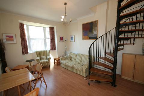 1 bedroom flat to rent - Flat 6, 12 Wellesley Villas Ashford Kent