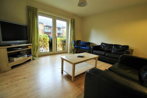 2 bedroom apartment to rent - Ashville Road, Burley Park, LS6