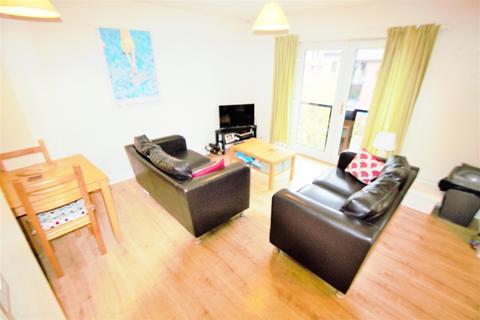 2 bedroom apartment to rent - Ashville Road, Burley, LS6