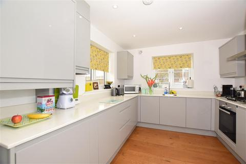2 bedroom detached house - Rosemary Gardens, Broadstairs, Kent