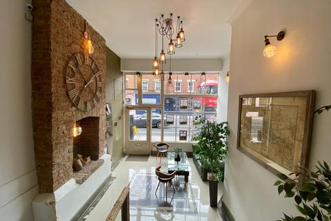 Retail property (high street) to rent - St Pauls Road, London, N1