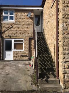 Studio to rent - Saltaire Road, Shipley, BD18