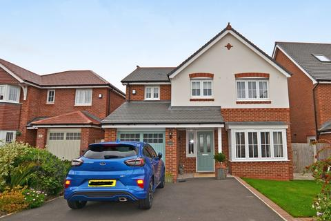 4 bedroom detached house for sale - Maes Y Fynnon