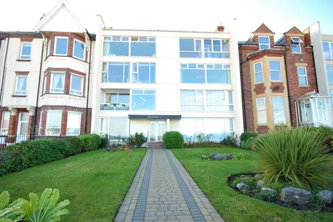 2 bedroom flat for sale - South Cliff, Roker