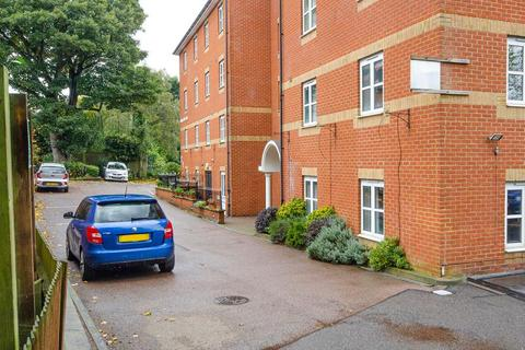 2 bedroom flat for sale - Bishops View Court , N10