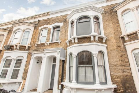 3 bedroom terraced house for sale - Mossford Street, E3