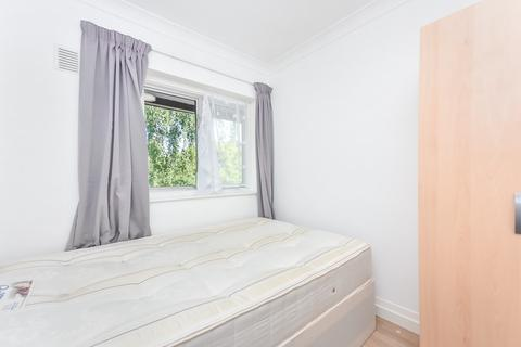 4 bedroom terraced house to rent - PARK DRIVE, Acton W3