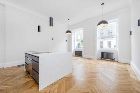 2 bedroom flat to rent - Harley Street, Marylebone