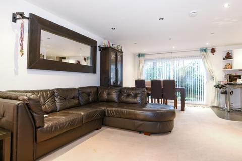 2 bedroom flat to rent - St. Stephen's Gardens Putney SW15