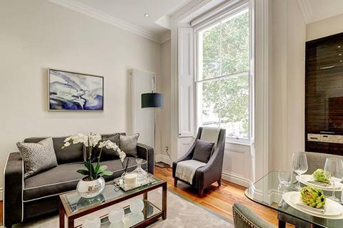1 bedroom flat - Kensington Gardens Square, London, W2