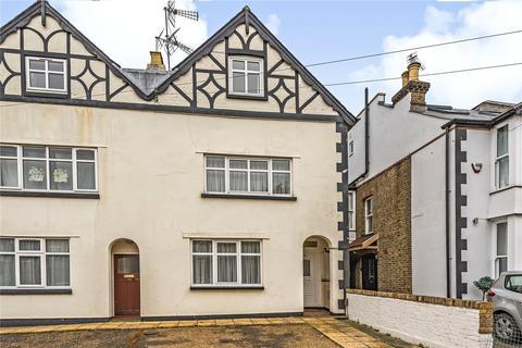 4 bedroom semi-detached house for sale - Lancaster Road, North Uxbridge, Middlesex, UB8
