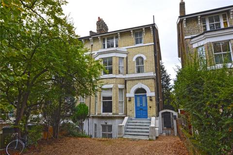 2 bedroom flat for sale - Vanbrugh Park, Blackheath, London, SE3