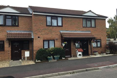 2 bedroom terraced house for sale - Tramways, Chatham, Kent