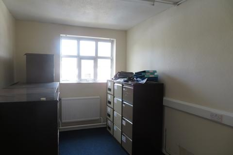 Office to rent - Limefield Brow, Walmersley, BL9