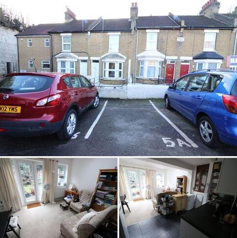 1 bedroom flat to rent - Springfield Terrace, Old New Road, Chatham, Kent ME4