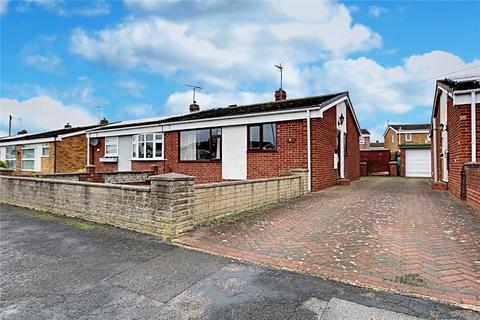 2 bedroom bungalow - Holcroft Garth, Hedon, Hull, HU12
