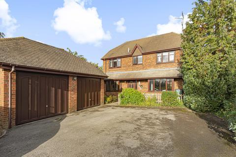 4 bedroom detached house for sale - Blacknest Road, Isington, Farnham, GU34