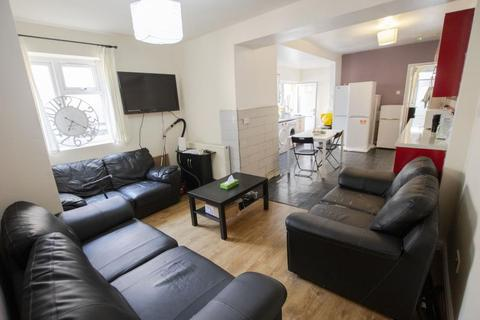 6 bedroom terraced house to rent - Bournbrook Road, B29