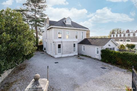 4 bedroom detached house for sale - 109 Park Street, Bridgend, Bridgend County Borough, CF31 4AZ
