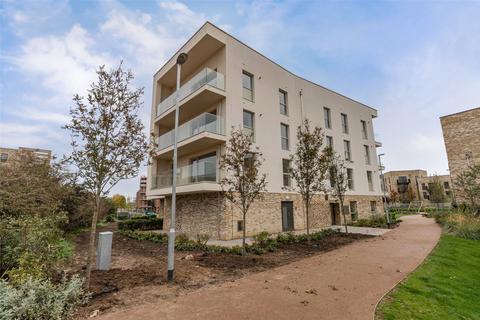 2 bedroom apartment to rent - Henty Close, Trumpington, Cambridge, Cambridgeshire
