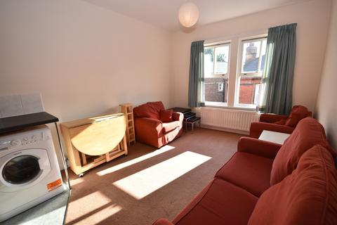 3 bedroom flat share to rent - Deansgate House, Hallgarth Street