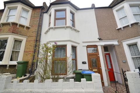 3 bedroom terraced house to rent - Lakedale Road, London