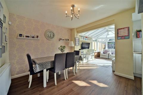 3 bedroom semi-detached house for sale - Kingsbridge Road, Morden, SM4