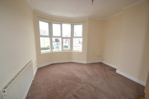 2 bedroom flat to rent - Flat C 742 Barking Road,