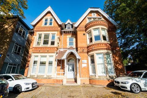 Studio to rent - Studio's Regent Road, Leicester