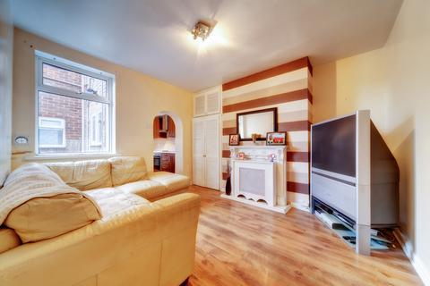 2 bedroom ground floor flat to rent - Lily Avenue