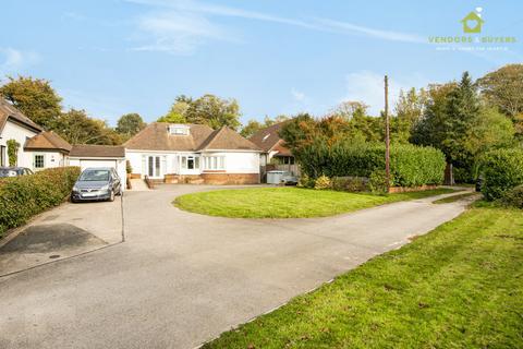3 bedroom detached bungalow for sale - Rowlands Castle Road, Horndean, Waterlooville