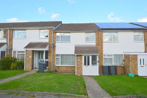 3 bedroom terraced house for sale - Bracklesham Gardens, Stopsley, Luton, Bedfordshire, LU2 8QJ